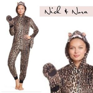 Nick & Nora Leopard Cat Onesie Paws PJ'S size M